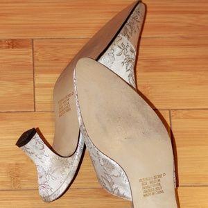 Victoria's Secret Shoes - Victoria's Secret Gold Label Mule